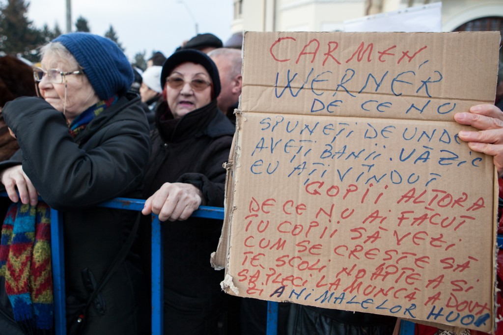 1486394618080-Protest-la-Cotroceni-4