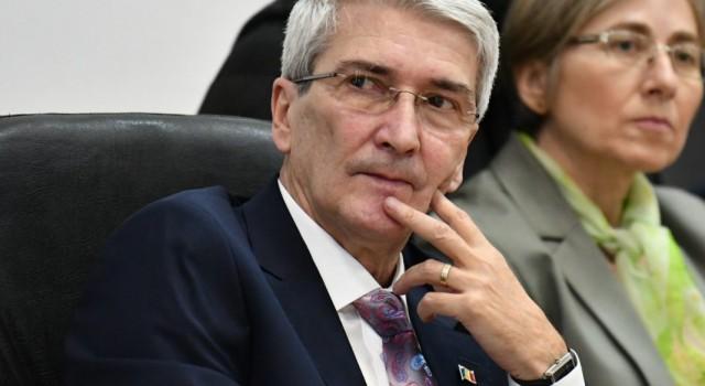 Instituția Prefectului s-a pronunțat cu privire la hotărârea prin care Consiliul Local Slobozia interzicea firmei Vivani să extindă depozitul de deșeuri periculoase. Prefectul a cerut modificarea sau retragerea hotărârii. La […]
